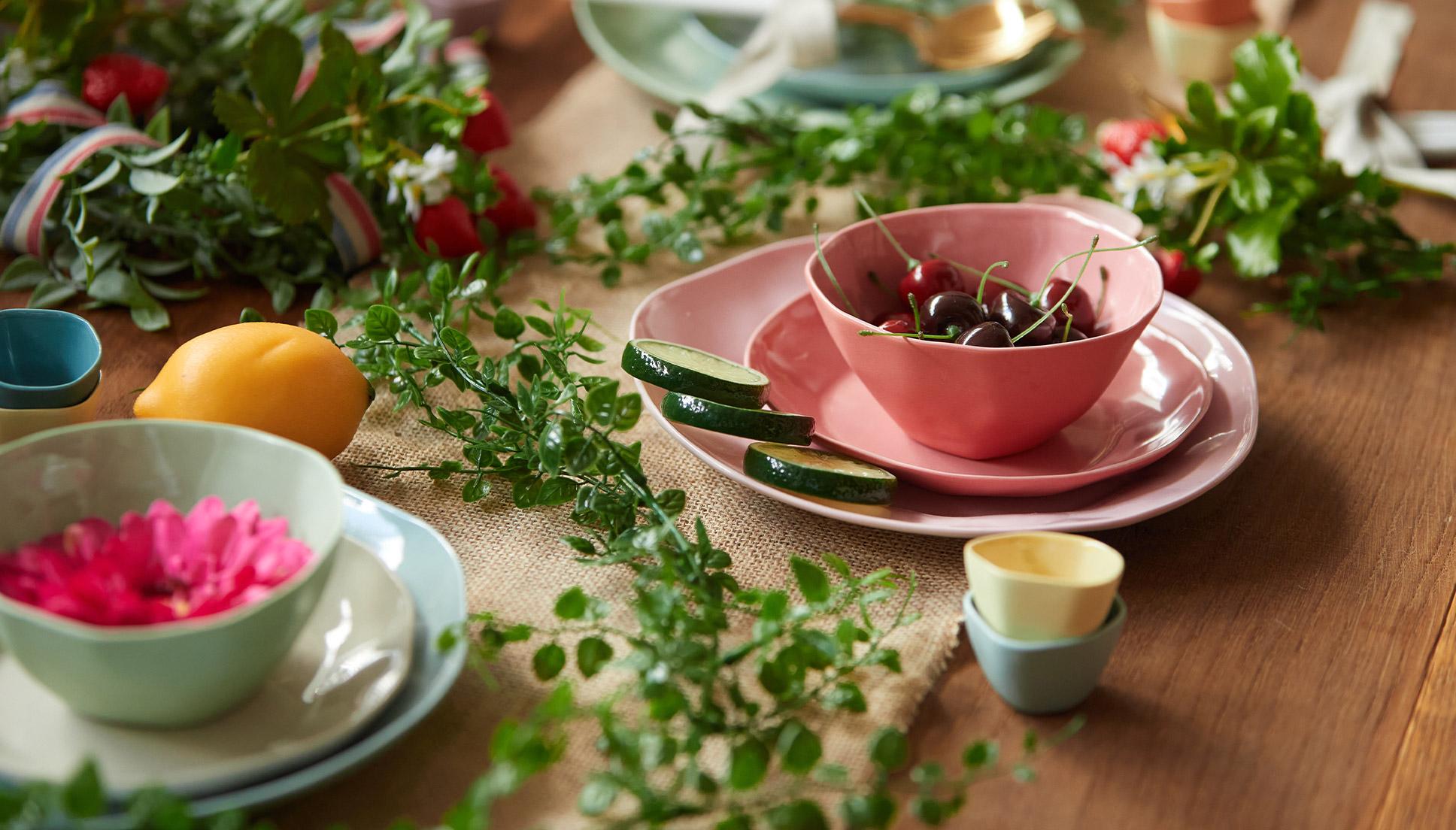 """西洋・東洋文化の融合で生まれた<br /> 食卓を飾る""""水彩"""""""